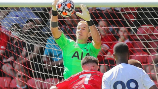 Celtic goalkeeper Hart admits Nuno pushed him out of Spurs