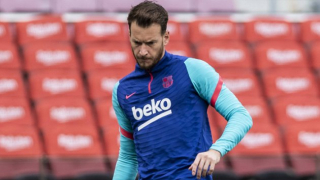 West Ham eyeing Barcelona keeper Neto