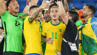 Men's Olympic Football Gold Medal: Brazil retain gold after extra time decider over Spain