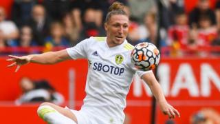 Leeds fullback Ayling has no regrets after Arsenal rejection