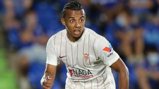 Chelsea remain interested in Sevilla defender Jules Kounde